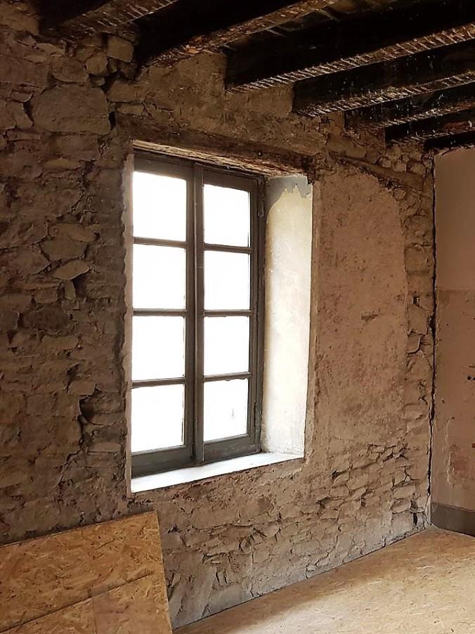murvägg hus frankrike