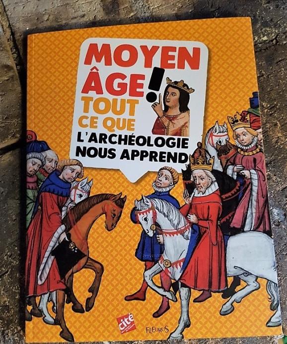 Moyen age book