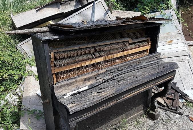 loppis frankrike piano