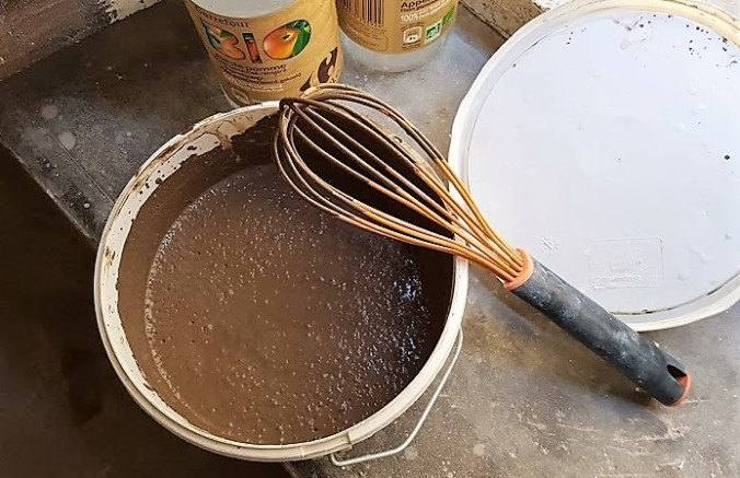 ekbrun färg äggoljetempera