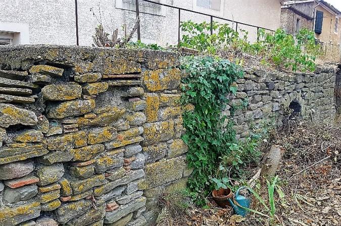 mur ancien peyriac.jpg