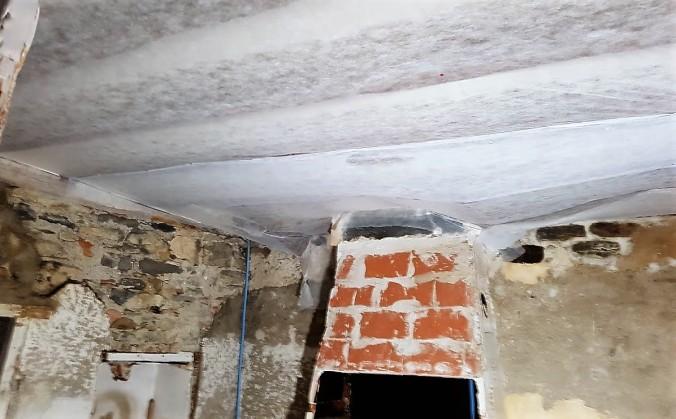 täckt tak peyriac