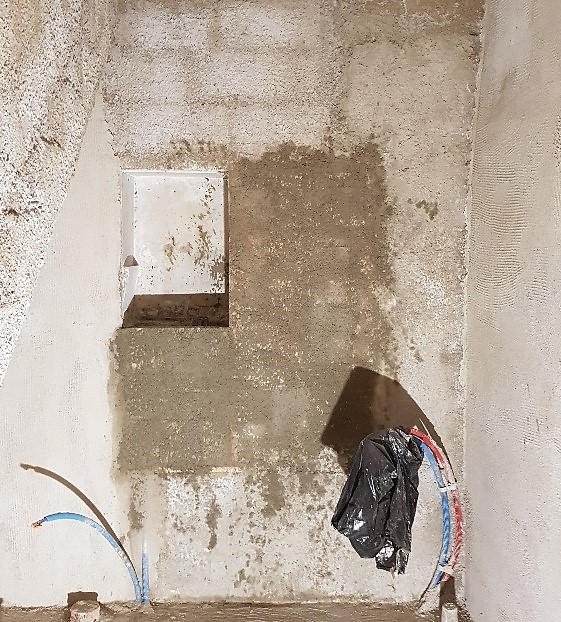 färdig vägg salle de bains med gobetis