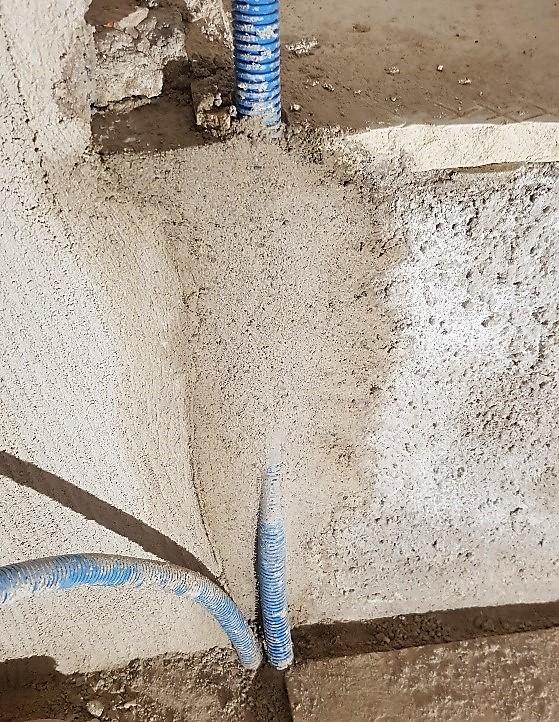 vattenrör vägg inbyggt