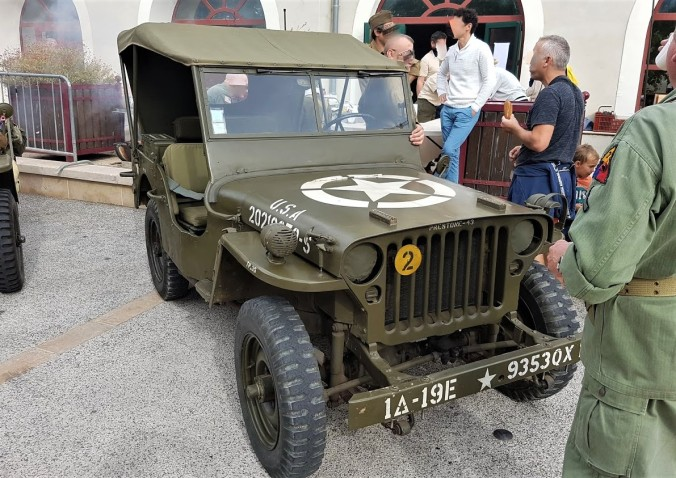jeep france WWII.jpg