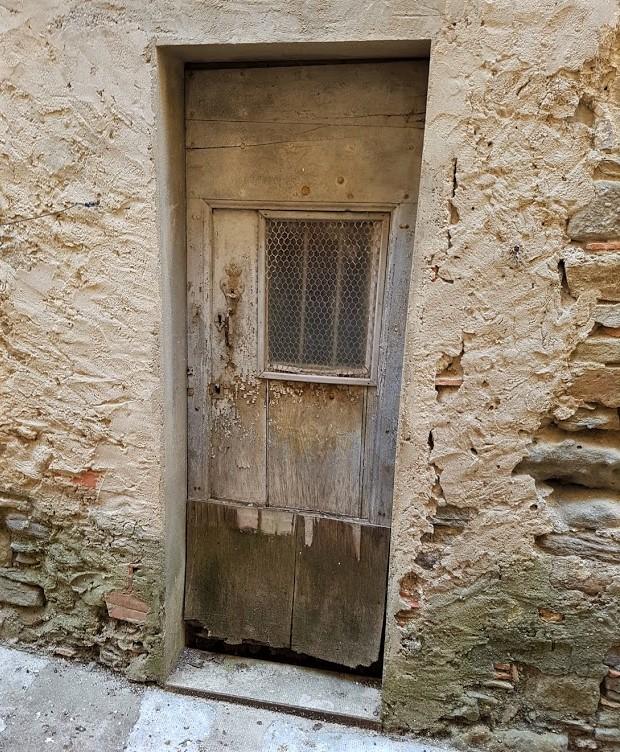 sliten dörr